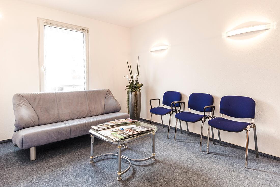 Zahnarzt Köln Rondorf - Tiddens - Wartezimmer der Praxis