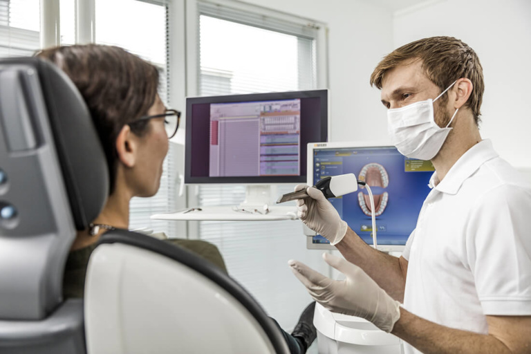Zahnarzt Köln Rondorf - Tiddens - Behandlungen - Implantologie